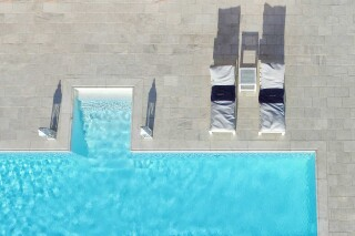 accommodation-casa-del-sol-villa-aerial-pool-view