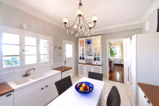 accommodation-casa-del-sol-villa-big-kitchen