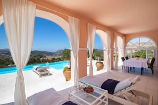 amenities villa casa del sol sunbeds