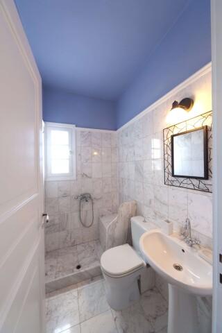 villa casa del sol syros bathroom