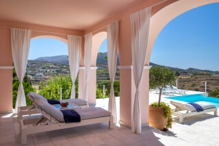 amenities villa casa del sol sunbeds area